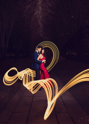 Bride and groom, red red, light trail