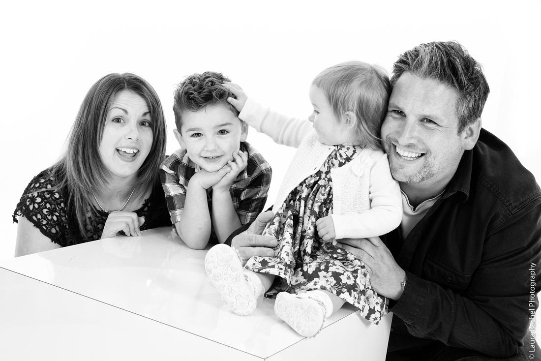 family-photo-shoot-studio-venture-style-luxury-fun-020